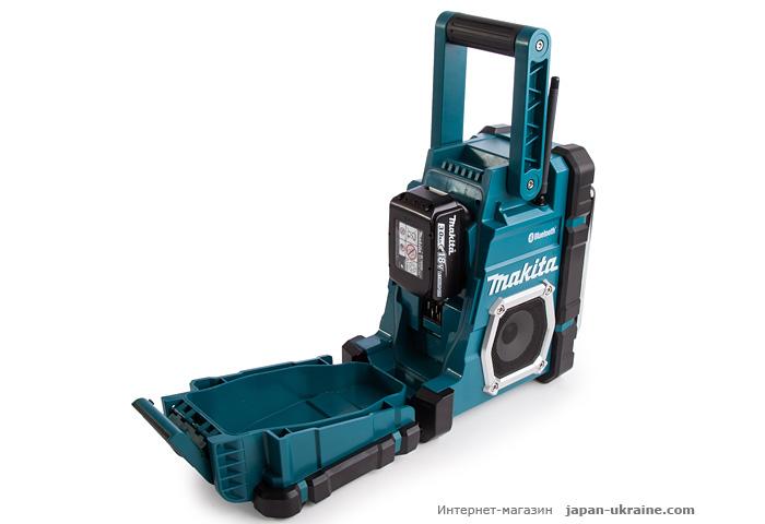 Аккумуляторный радиоприемник MAKITA DMR108